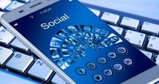 dati facebook social